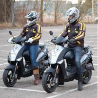 Duo scooterrijles Rijschool Heezen